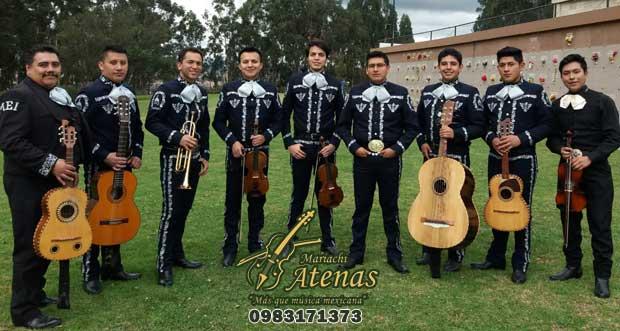Atenas su grupo mariachi de Cuenca
